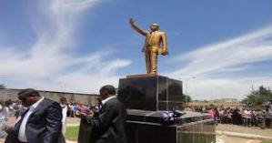 Meles-Zenawi-Memorial-Statue-in-Jijiga-Ethiopia-01